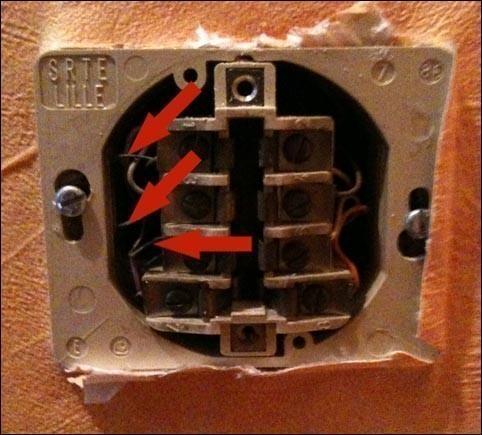 retirer le condensateur de la prise telephone pour internet 0