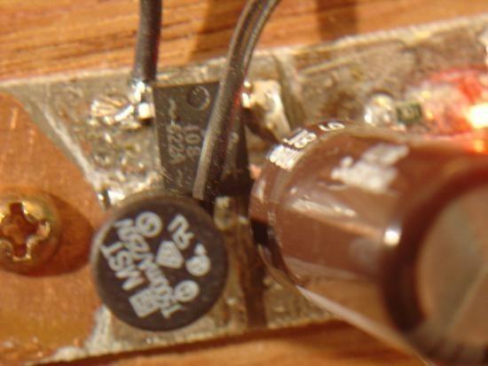 Chargeur de piles non rechargeable realisation 3