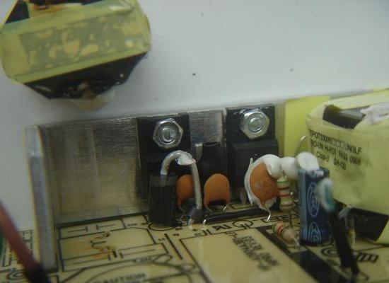 chargeur de pc portable 19v 90w composants 2