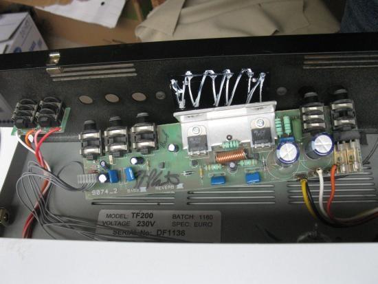 panne ampli guitare laney tf200 1
