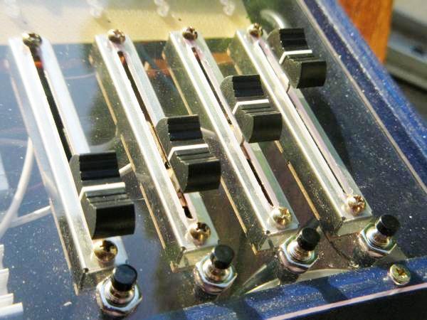 realisation variateur de lumiere 4 x 2000w 6