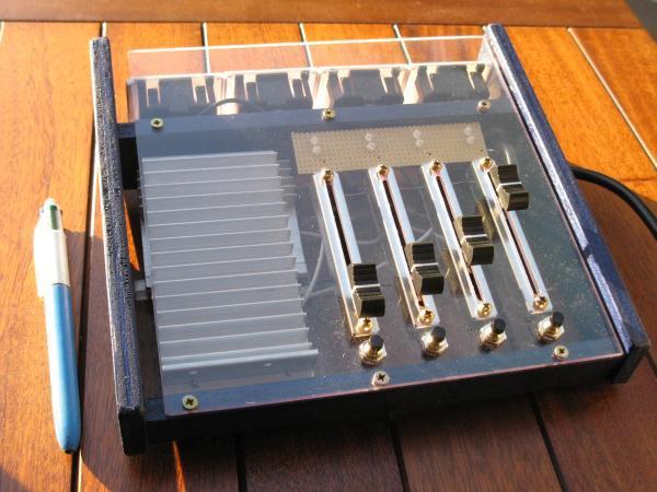 realisation variateur de lumiere 4 x 2000w 10