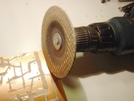 realiser un circuit imprime a la disqueuse 1