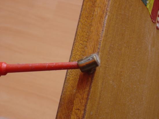 reparer une porte qui frotte ou ferme mal 3