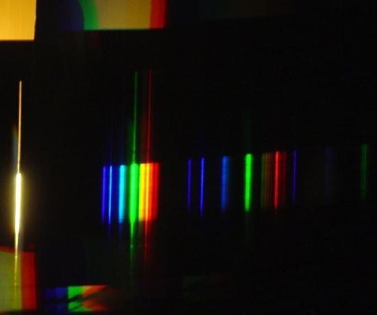 spectre de lampe fluocompacte et halogene 8