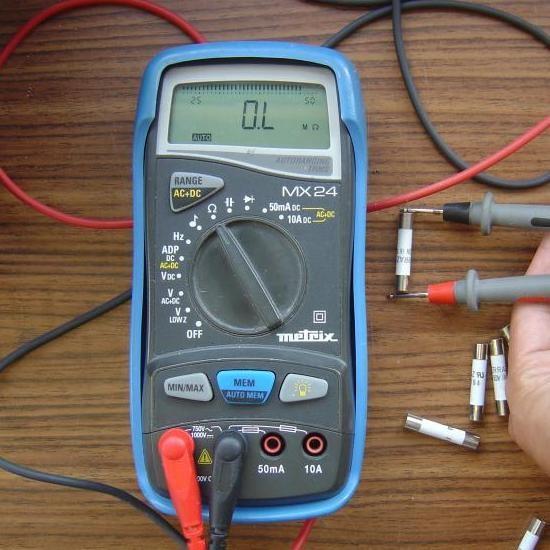 Tester un fusible avec un multim tre astuces pratiques - Comment tester une pile avec un multimetre ...