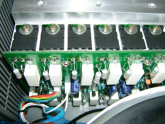 transistor en parallele et resistance 16