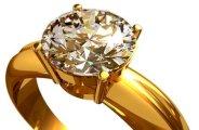 Nettoyer des bijoux en or astuces pratiques for Astuce pour nettoyer des bijoux en argent