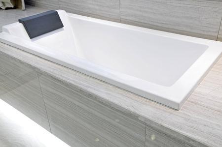 nettoyer une baignoire astuces pratiques. Black Bedroom Furniture Sets. Home Design Ideas