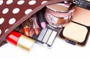 Les 10 indispensables dans votre trousse à maquillage