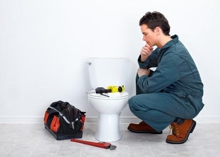 Couper l'arrivée d'eau aux toilettes