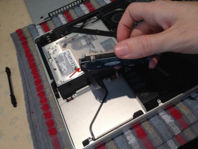 changer le disque dur macbook pro 4