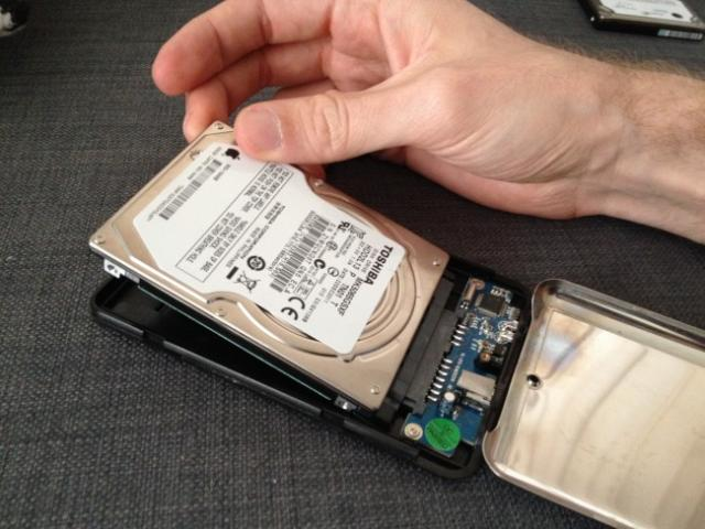 monter le disque dur du macbook pro en usb 2
