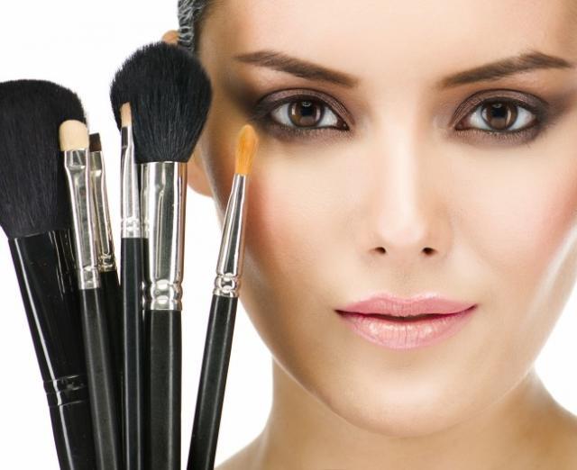 Les astuces des maquilleurs professionnels en cas de panne de maquillage - 2° partie