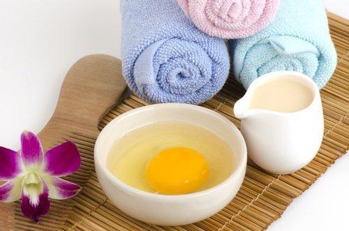 4 cr mes maison pour nourrir et lisser vos cheveux astuces pratiques. Black Bedroom Furniture Sets. Home Design Ideas