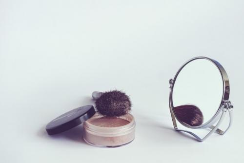 bien appliquer sa poudre de maquillage 2