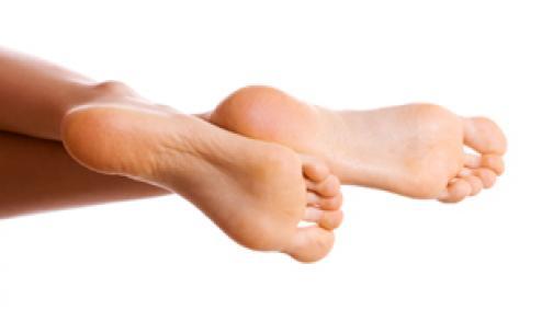 hydrater les pieds secs