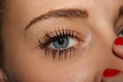 le maquillage des cils semi permanent 1