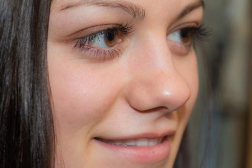 Le maquillage des cils semi-permanent