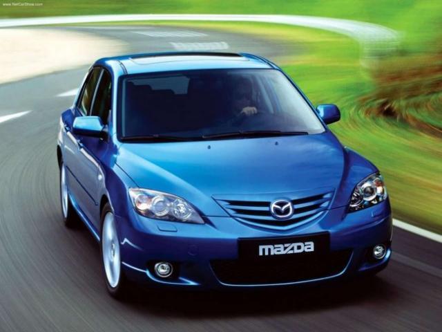 Remplacement filtre à air Mazda 3