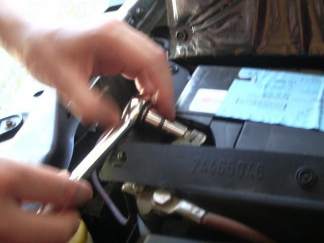 demontage de batterie sur vectra c 2 2l tdi 3