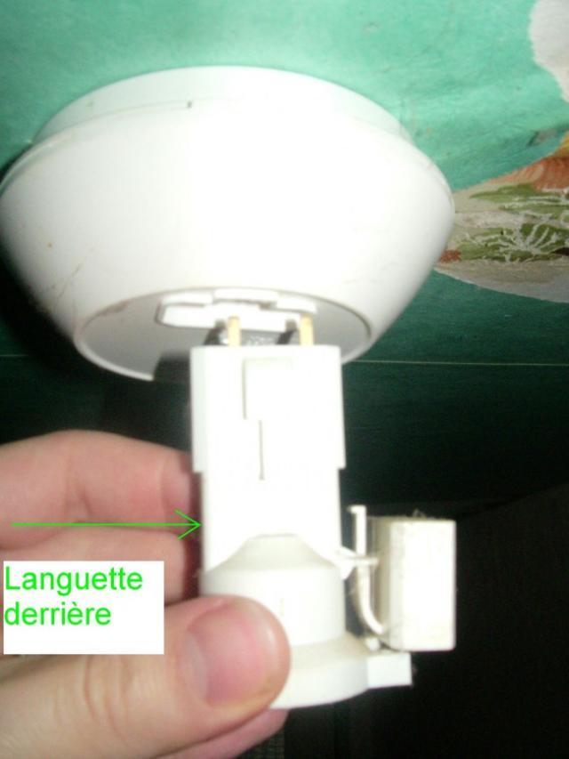 demonter un luminaire plafonnier 2
