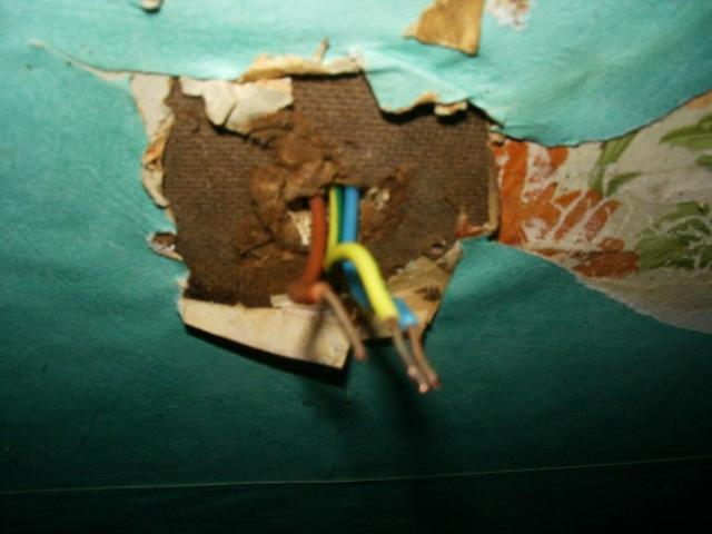 demonter un luminaire plafonnier 11