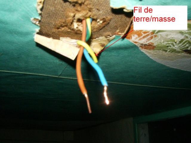 demonter un luminaire plafonnier 12