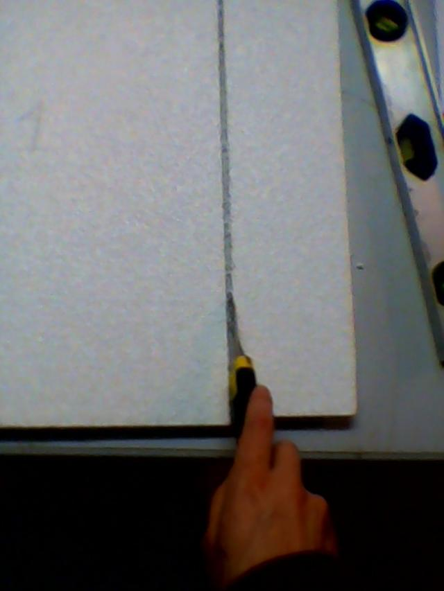 poser des dalles de polystyrene au plafond 4