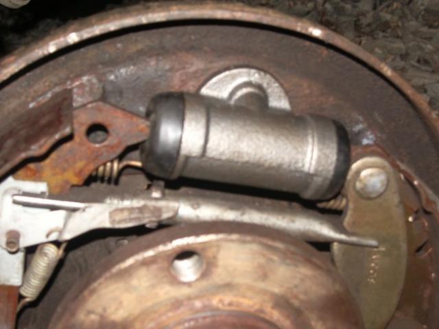 remplacement d un cylindre de roue sur citroen zx break 1 9d 14